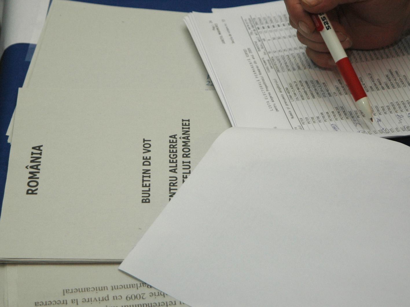 Listele pentru alegerile prezidentiale vor fi separate de cele pentru referendum