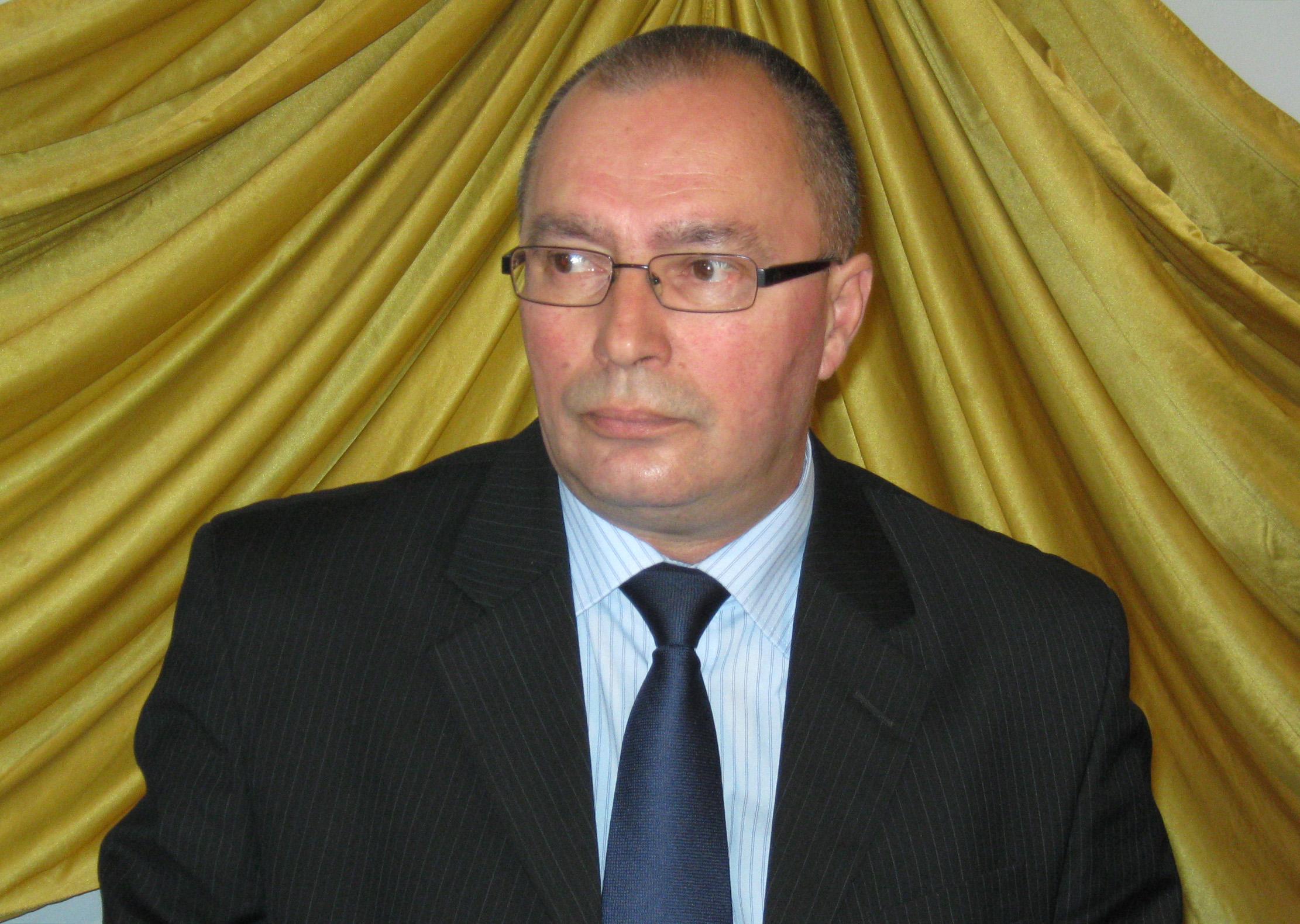 Prefectul judetului Maramures- acuzat ca se implica in politica. Sandu Pocol se disculpa