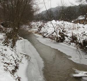 Ape monitorizate din cauza podurilor de gheata