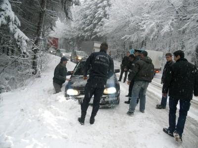 Circulatie rutiera în conditii de iarna pe drumurile din Maramures