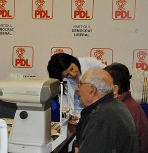 Consultaţii oftalmologice gratuite, la sediu de partid