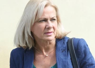 Cornelia Negruţ i-a solicitat ministrului să rezolve revendicările poştaşilor