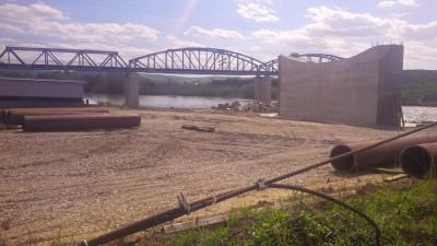Podul de la Ulmeni – copil cu două moaşe