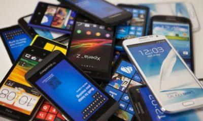 Minori cercetaţi pentru furt de telefoane