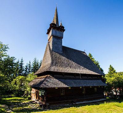 biserica-de-lemn-budesti-400x368