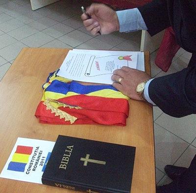 Grumaz şi Cherecheş, cu mâna pe Biblie
