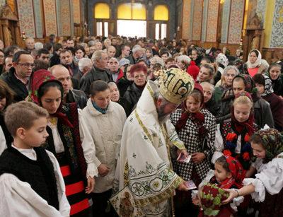 Sfinţii Arhangheli Mihail şi Gavriil sunt de azi ocrotitorii Sighetului