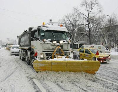 Prima zăpadă a adus sancţiuni pentru administratorii de drum