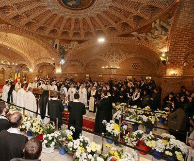 Fiii duhovniceşti au oficiat Sfânta Liturghie şi Panihida Mică pentru Preasfinţitul Justinian