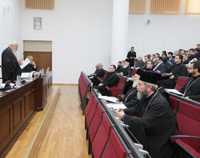 P. S. Iustin: Biserica este mama şi nu poate să îşi părăsească fiii