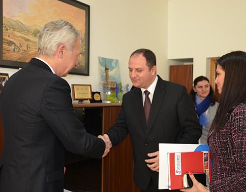 Ambasador SUA în Maramureș. Diplomatul s-a interesat de turism și de evrei