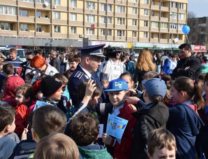 copii la ziua politiei romane
