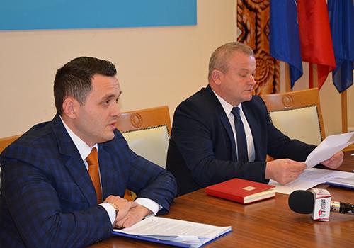 Parlamentarii invitați la ședința Comisiei de Dialog Social