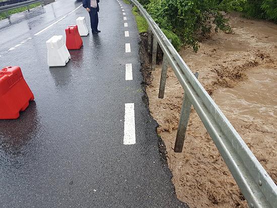 DN 18 afectat de inundații