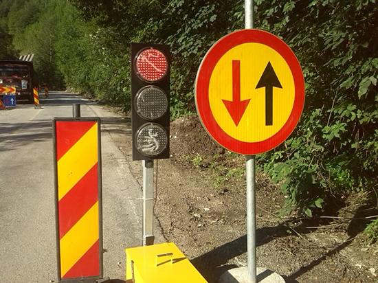 Semafoare pe DN 18, în Pasul Gutai