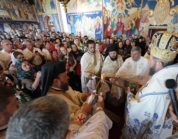 """Episcop Iustin la Mănăstirea """"Portăriţa"""" Prilog: N-avem voie să deznădăjduim, ci să credem"""