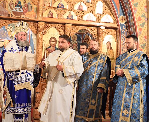 Hirotoniri la Paraclisul Episcopal