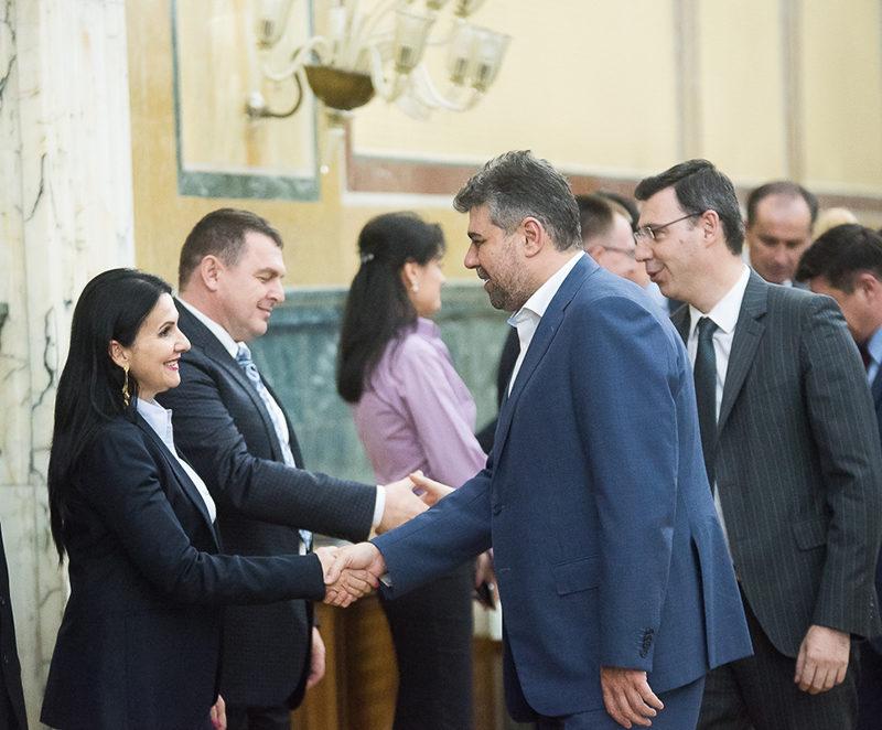 Sorina Pintea s-a dus la Guvern pentru a ajuta bolnavii de cancer