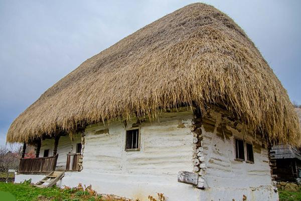 casa muzeu satului