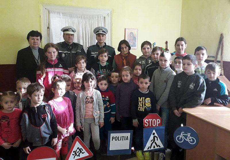 Poliția în acțiune la școala din Buciumi