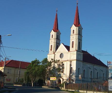 Trimiși în judecată pentru furt din biserici