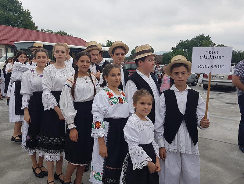 """Premiu de la """"Florile Someșului"""" pentru dansatorii din Baia Sprie"""