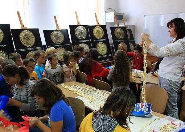 Meşteşuguri şi obiceiuri vechi la școala din Oarţa de Sus