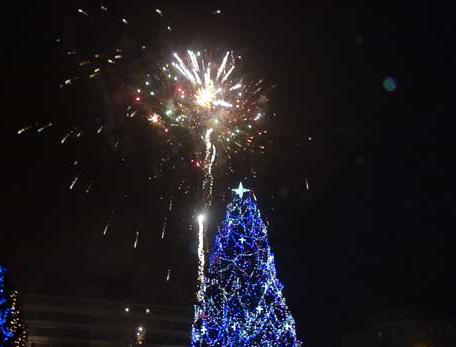 Artificii și șampanie, la Șomcuta Mare, în noaptea dintre ani