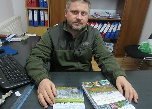 Cărți de specialitate despre arborii protejați din Maramureș