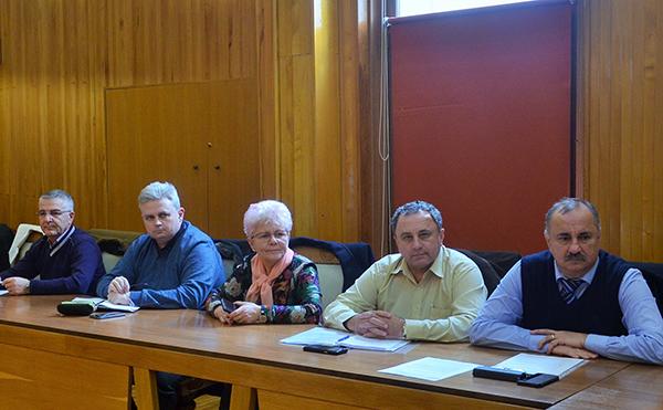Sporul de 15% pentru asistenții personali, la comisia de dialog social