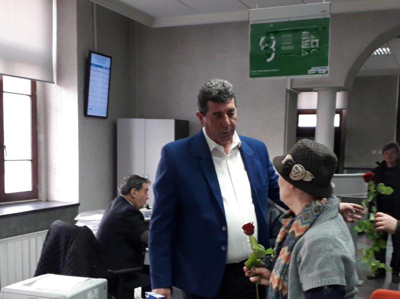 Flori oferite de primarul Gheorghe Buda, în Șomcuta Mare