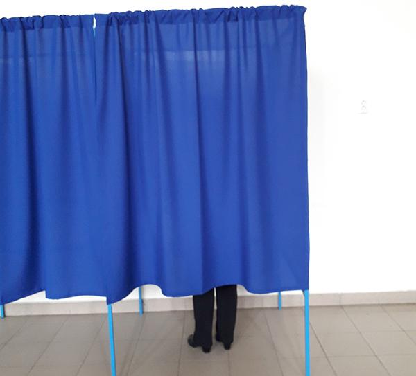 cabina de vot, alegeri