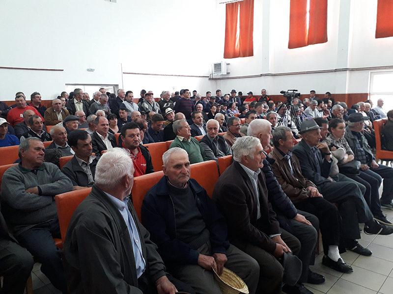 Dezbatere, la Mireș, despre mistreți și Legea vânătorii. Ministrul Botănoiu: Nu pun animalele mai presus de om