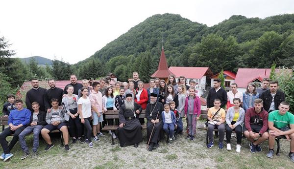 Tabăra tinerilor ortodocși la Mănăstirea Chiuzbaia