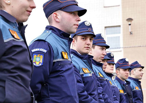 Concurență pentru școlile de poliție și jandarmi