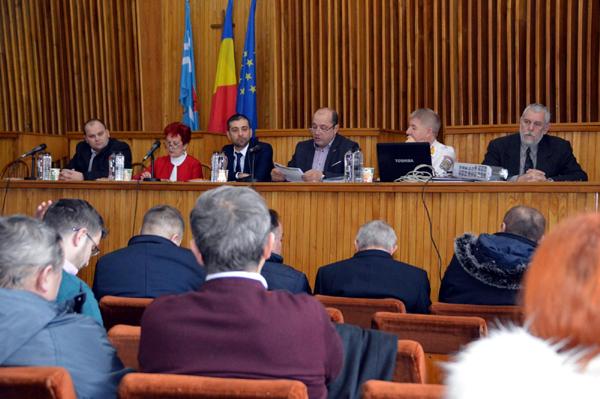 Primarii îndemnaţi să factureze lucrările efectuate prin PNDL