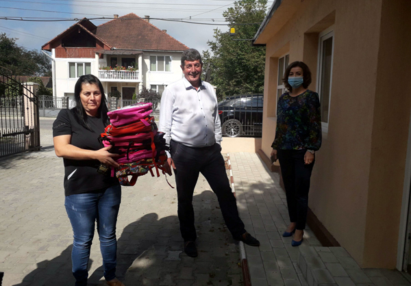 """""""Primul ghiozdan"""" a ajuns la Şomcuta Mare"""