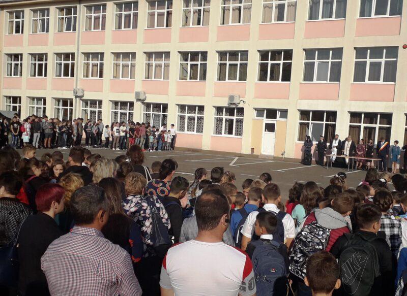 festivitate deschidere an şcolar