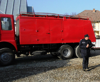 Pompierii distribuie apa menajera