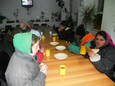 25 de persoane adapostite de ger la Azilul de Noapte din Baia Mare