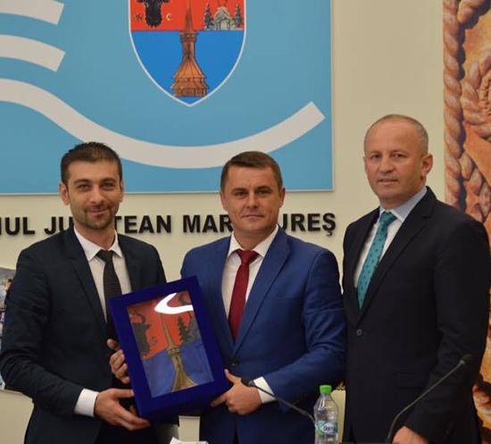 Drapelul Maramureșului – arborat la Primăria Ulmeni