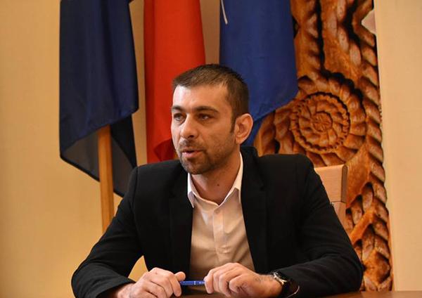 Zetea: Membrii partidului spun că se observă oprobiul public la care este supus PSD