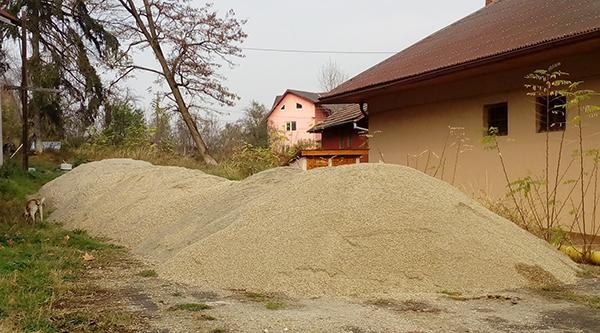 Primar Buda: S-au făcut pregătiri pentru sezonul rece. Stoc de material antiderapant