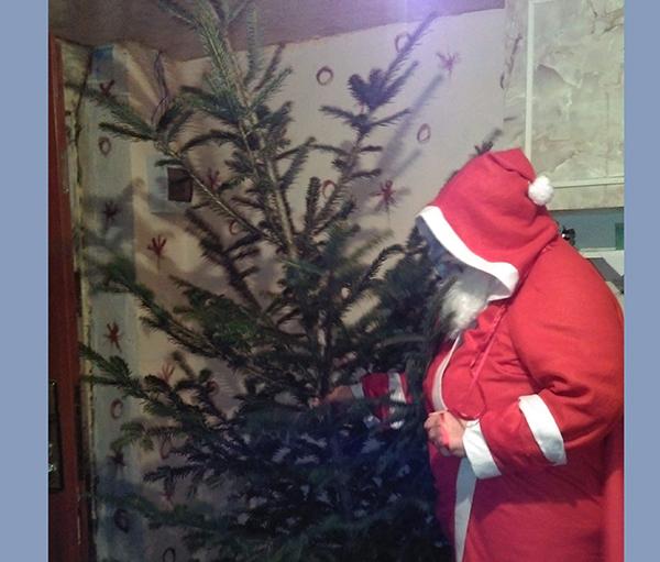 Femeile din OFSD Șomcuta l-au dus pe Moș Crăciun la copii
