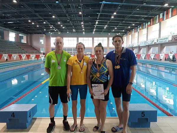 Medalii pentru înotătorii Clubului Gold Stars Baia Mare