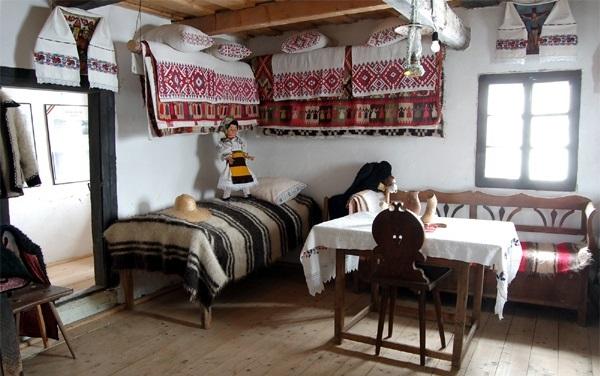 Opt case memoriale din Maramureș, incluse în ruta cultural-turistică